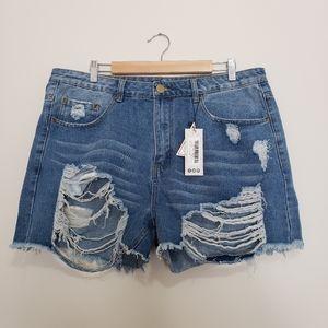 Boohoo distressed jean shorts nwt high rise
